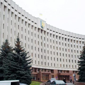 В Івано-Франківській обласній раді спалах коронавірусу