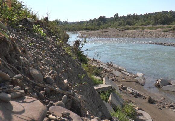 На Прикарпатті відновлять дев'ять найбільш пошкоджених червневою повінню дамб