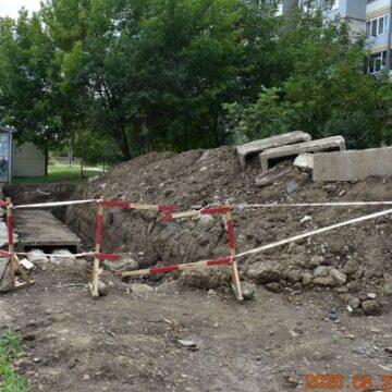 В Івано-Франківську тепловики готують труби до зими