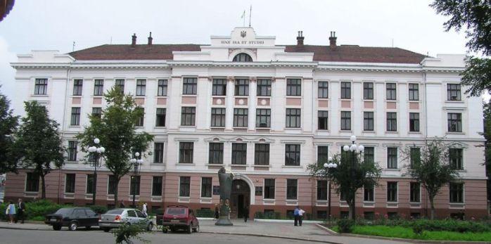 У працівника апеляційного суду в Івано-Франківську підтвердили коронавірус