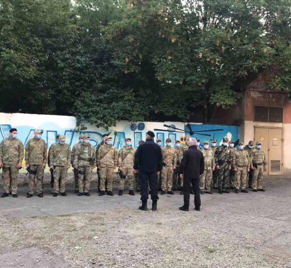 Тридцять прикарпатських поліцейських вирушили на Схід України