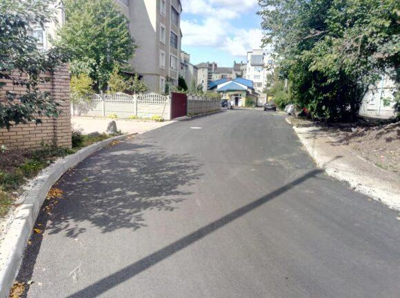 В Івано-Франківську оперативно  відремонтували ще одну вулицю (ФОТО)