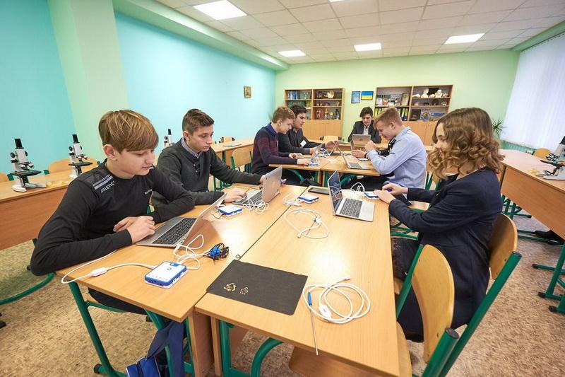 Прикарпаття закупило обладнання для «Нової української школи» майже на 20 млн гривень