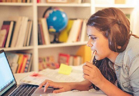 Боїтесь іти до школи – пишіть заяви: у Івано-Франківську можуть організувати дистанційне навчання