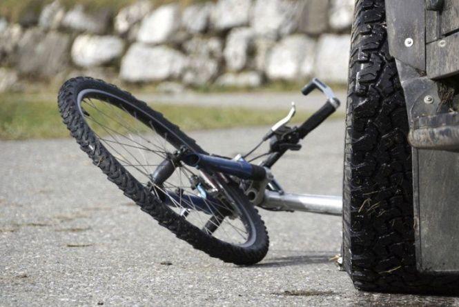 На Надвірнянщині «Lanos» збив велосипедиста-пенсіонера