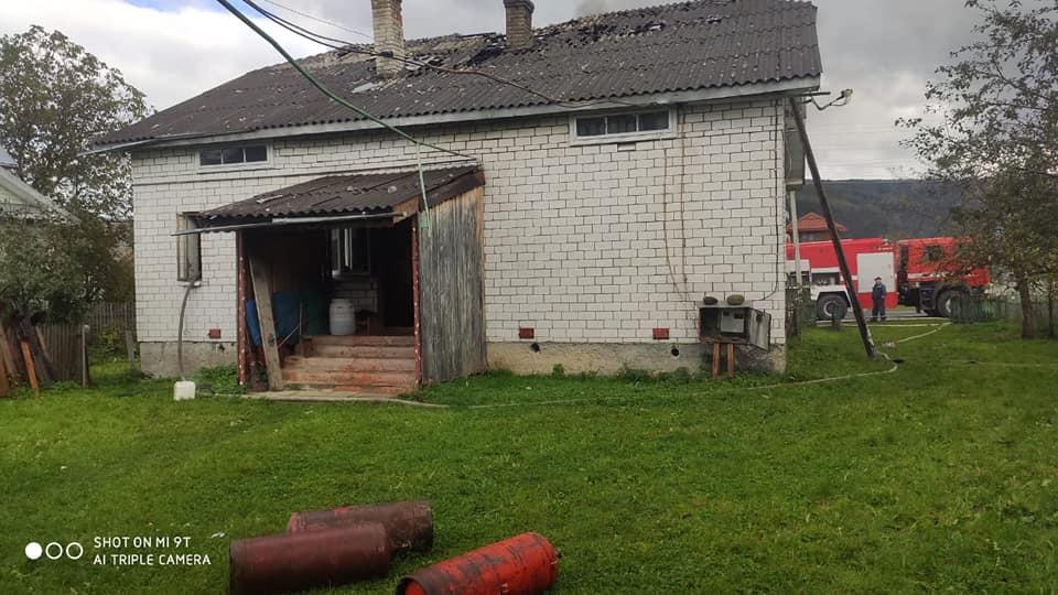 За добу сталося 4 пожежі, у Марковій згорів скутер