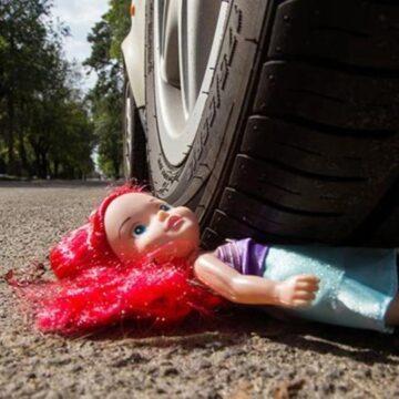 Семирічна дитина потрапила під колеса авто на Коломийщині