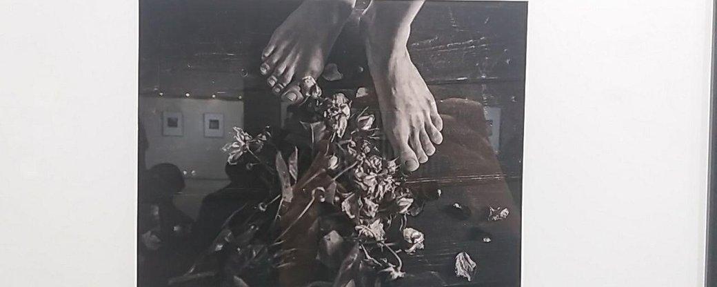 У Франківську відкрили виставку чорно-білих світлин у стилі ню