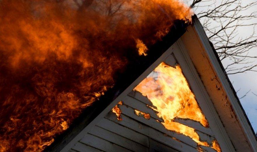 На Рожнятівщині горіли два будинки