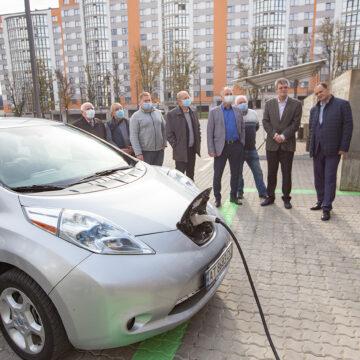 Зарядись на повну: В Івано-Франківську запрацювала ще одна електрозаправка