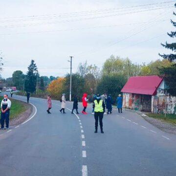 Мешканці Тлумацького району частково перекрили дорогу