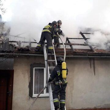 7 пожеж за добу. Під час пожежі у Рахині опіки отримав 59 річний чоловік