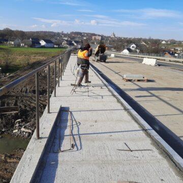 У Боднарові на мосту – кипить робота