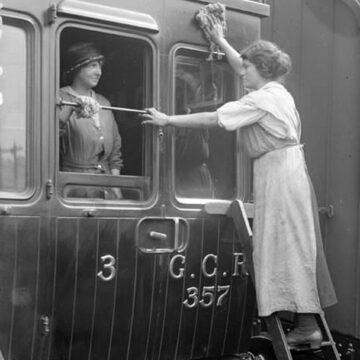 Ретро-новина: випадіння з потягів