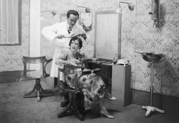 Кримінальна історія: Пригоди перукарів
