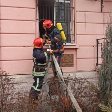Вогнеборці локалізували пожежу на Ленкавського