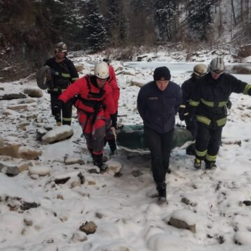 Чоловік, який впав у річку Прут у Яремчі, загинув
