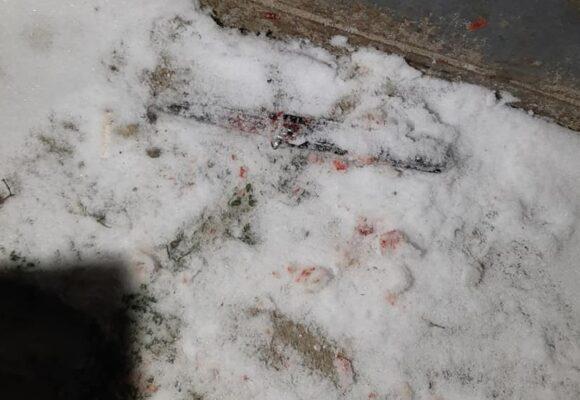 Патрульні Івано-Франківщини затримали зловмисника, який ножем поранив двох чоловіків