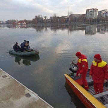 На міському озері тривають пошуки людини (Оновлено)