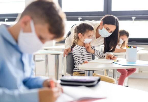 Понад 97 відостків франківських школярів почали навчання після локдауну