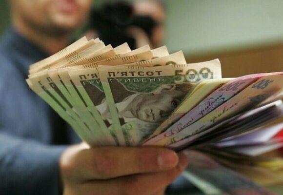 Зарплати вчителів зростуть майже на 20% вже у січні, — Денис Шмигаль