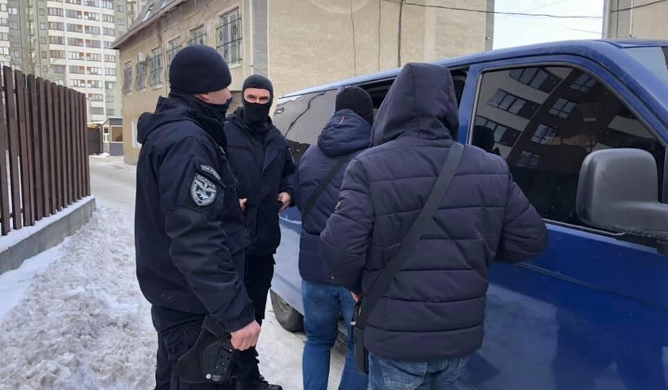 У поліції розповіли подробиці затримання кримінального «авторитета» на Прикарпатті (ФОТО)