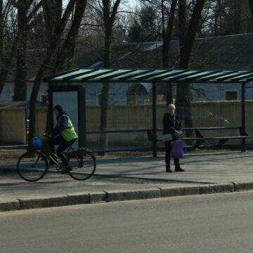 Тільки на приватному авто: В Уряді планують посилити обмеження у «червоних» зонах