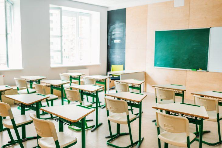 Дві франківські школи повністю на дистанційному навчанні, два садочки також не працюють