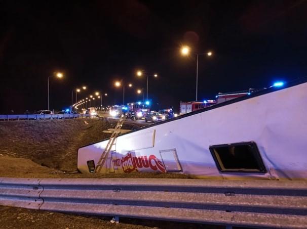 Автобус з українцями перекинувся у Польщі. 6 осіб загинули