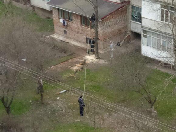 Франківчан розширив своє житло, добудувавши кімнати до багатоповерхівки (ФОТО)