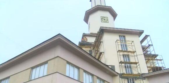 Поточний ремонт фасаду івано-франківської ратуші планують завершити до кінця квітня