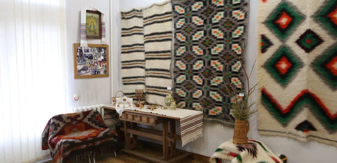 У Коломиї відкрили виставку яворівських ліжників