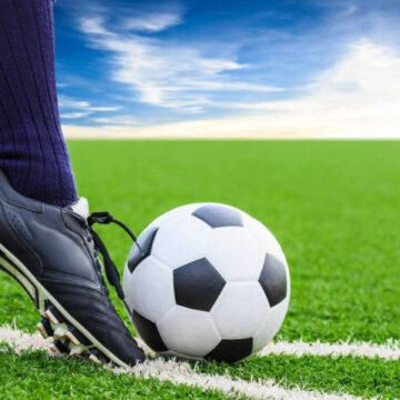 Аматорський футбол: триває чемпіонат, команди чекають жеребу у кубках