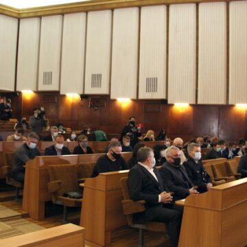 Обласна рада вимагає визнати вибори в одномандатному виборчому округу № 87 недійсними