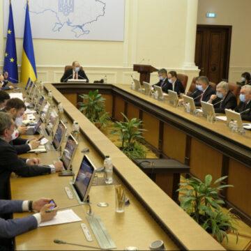 Нові інвестиційні проєкти, зростання експорту, транспортний хаб в Ужгороді, «Велика приватизація» – Денис Шмигаль відзвітував за тиждень